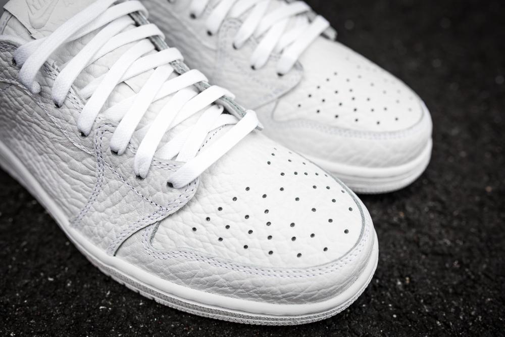 basket Air Jordan 1 Retro Low No Swoosh 'White' (4)