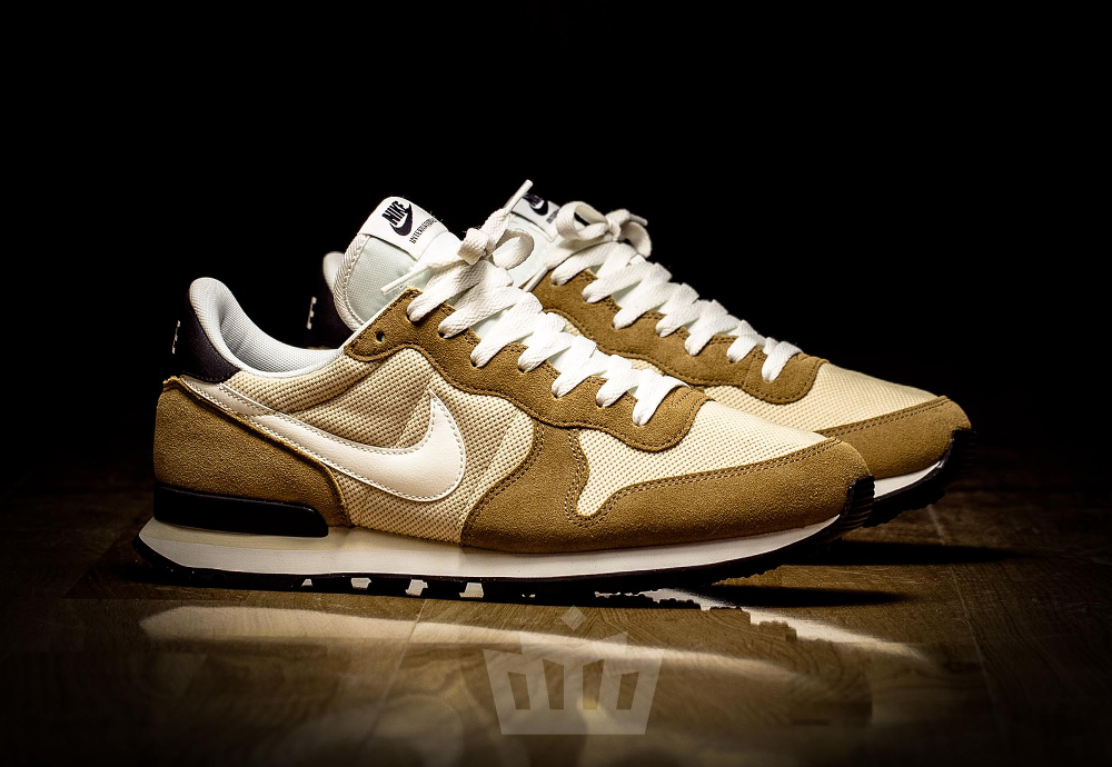 chaussure Nike Internationalist 'Vegas Gold' (1)
