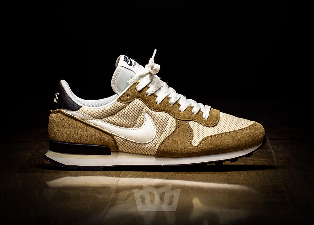chaussure Nike Internationalist 'Vegas Gold' (2)