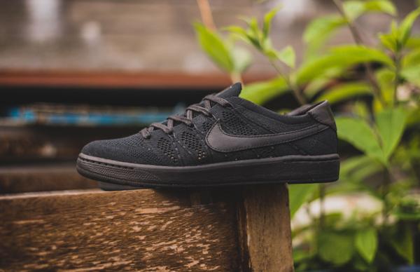 chaussure Nike Tennis Classic Ultra Flyknit noire (2)