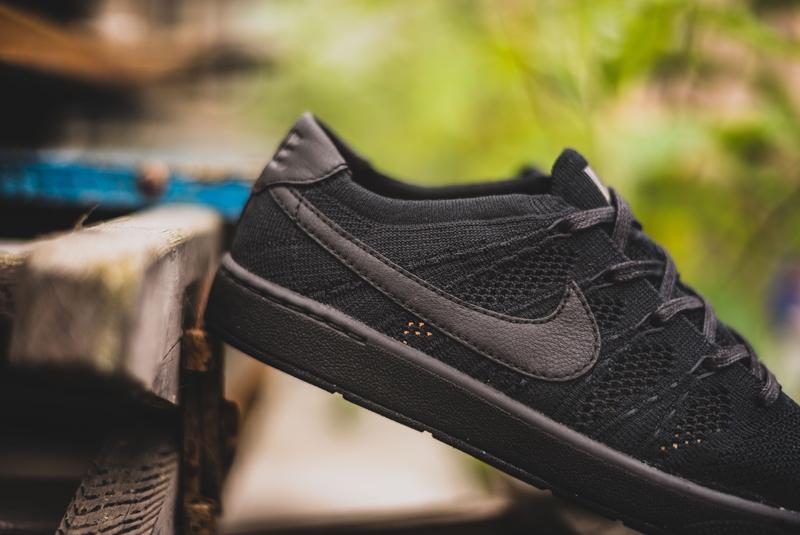 chaussure Nike Tennis Classic Ultra Flyknit noire (4)
