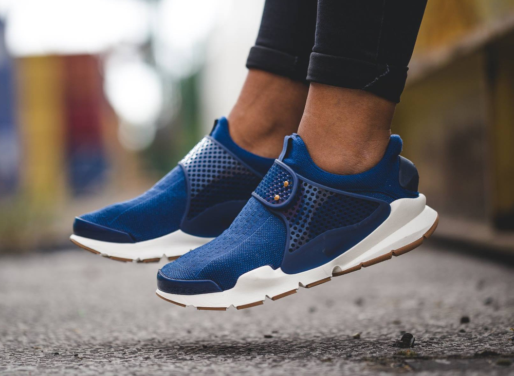 chaussure Nike Wmns Sock Dart SE Night Coastal Blue (femme)