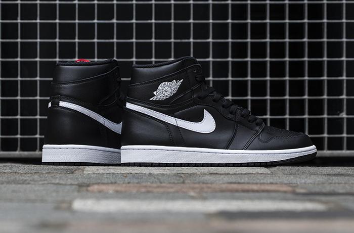 Air Jordan 1 Retro High OG Yang Black (noire) (1)