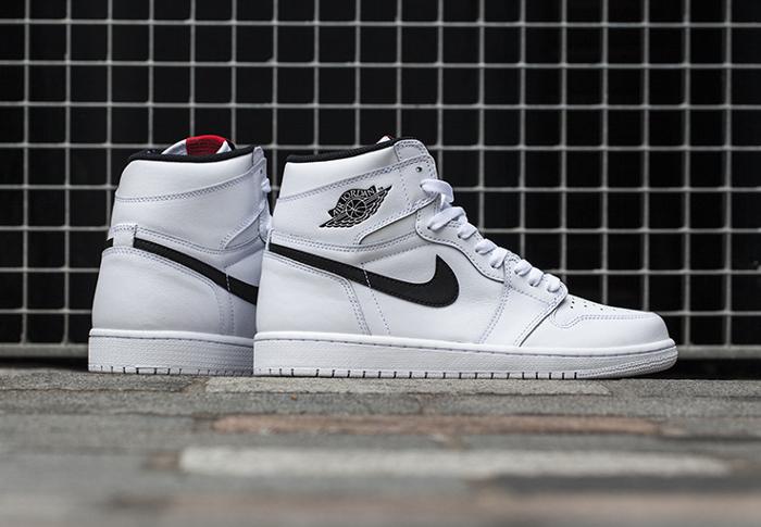 Air Jordan 1 Retro High OG Yin White (1)