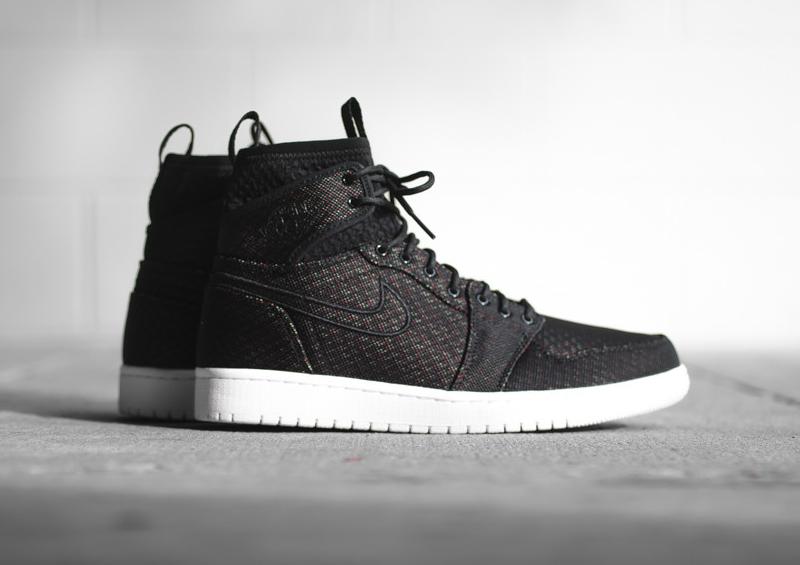 Air Jordan 1 Retro Ultra High 'Pure Platinum & Black'
