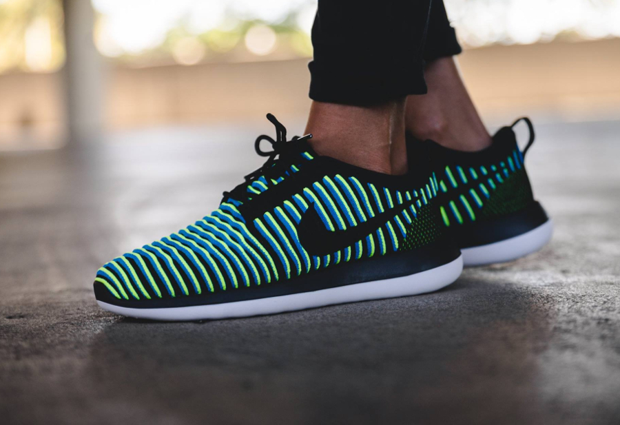 Basket Nike Wmns Roshe 2 Flyknit Photo Blue Volt