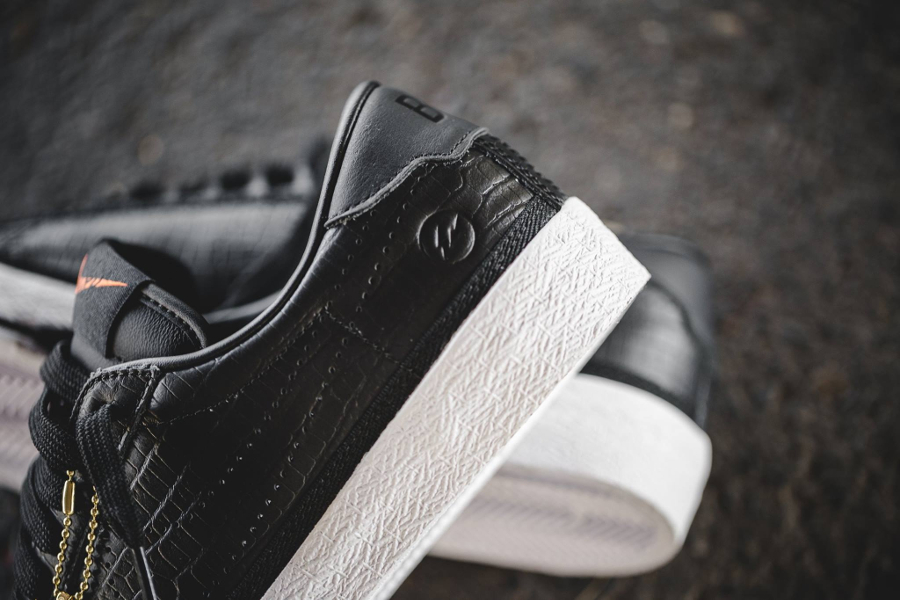 Chaussure Fragment x Nike Zoom Tennis Classic Black Reptile (1)