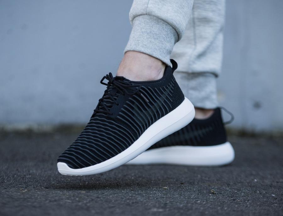 Chaussure Nike Roshe 2 Flyknit Black (1)