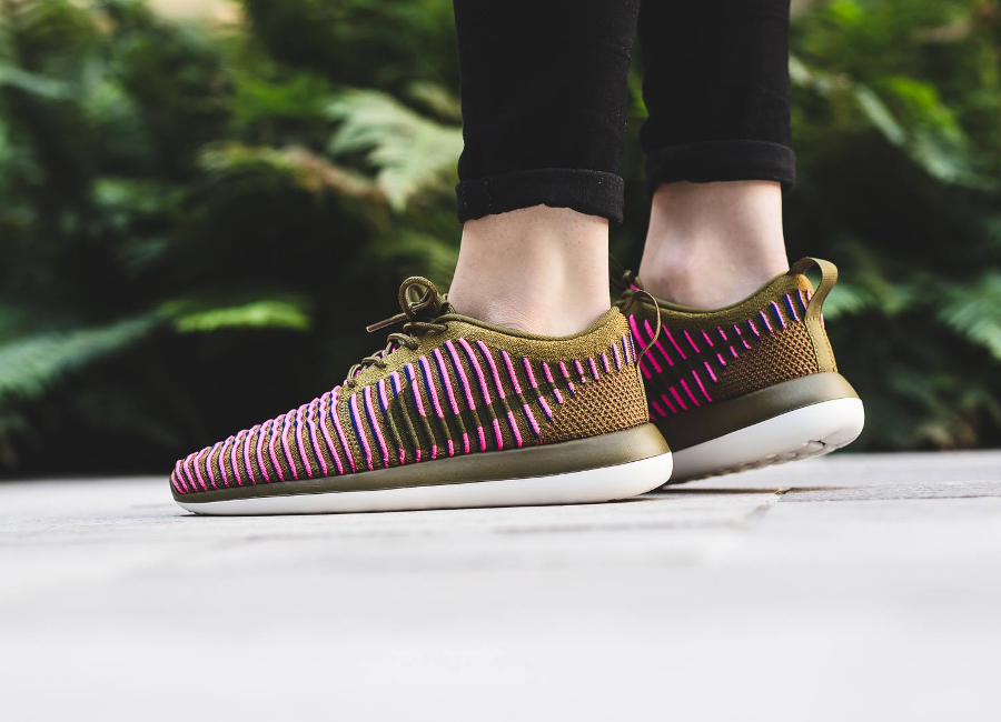 Chaussure Nike Wmns Roshe Two Olive Flak (2)