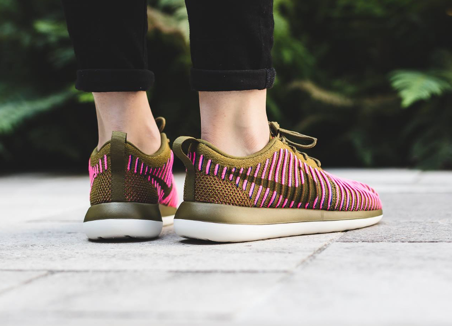 Chaussure Nike Wmns Roshe Two Olive Flak (3)