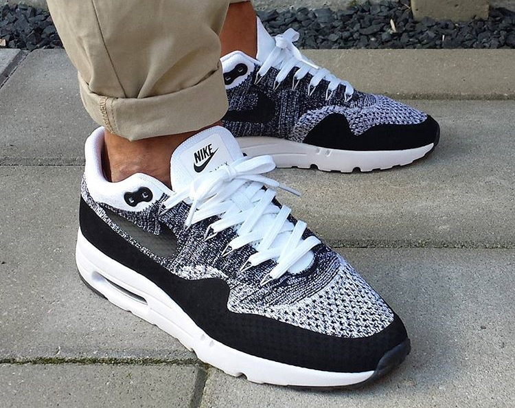 air max ultra flyknit oreo