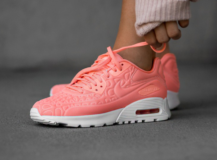 chaussure Nike Wmns Air Max 90 Ultra Plush Atomic Pink (rose saumon) (1)
