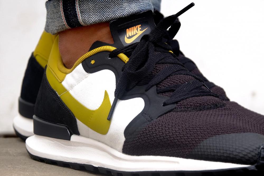 Nike Air Berwuda 'Black Peat Moss'