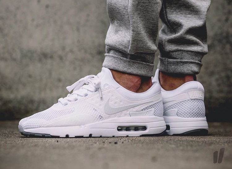 size 40 f23c4 cc10c air max zero triple white qs