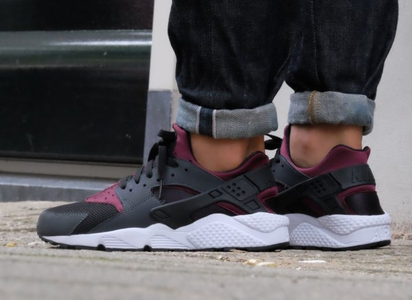 Nike Air Huarache 'Night Maroon'
