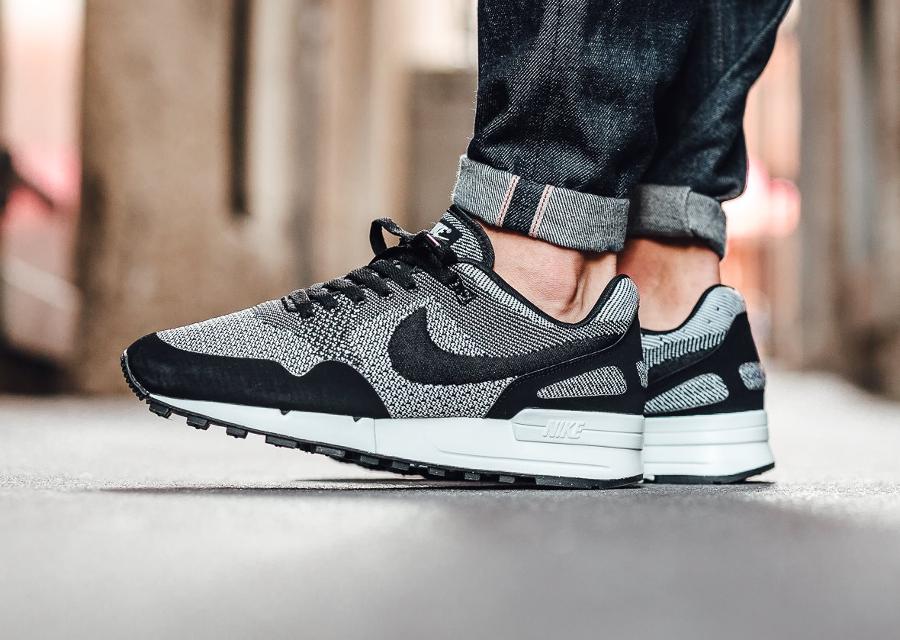 chaussure Nike Air Pegasus 89 JCRD noire et blanche (1)