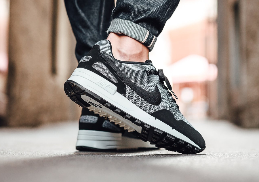 chaussure Nike Air Pegasus 89 JCRD noire et blanche (2)