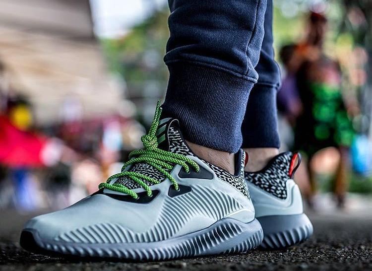 adidas-alphabounce-clear-grey-jeyr3-1