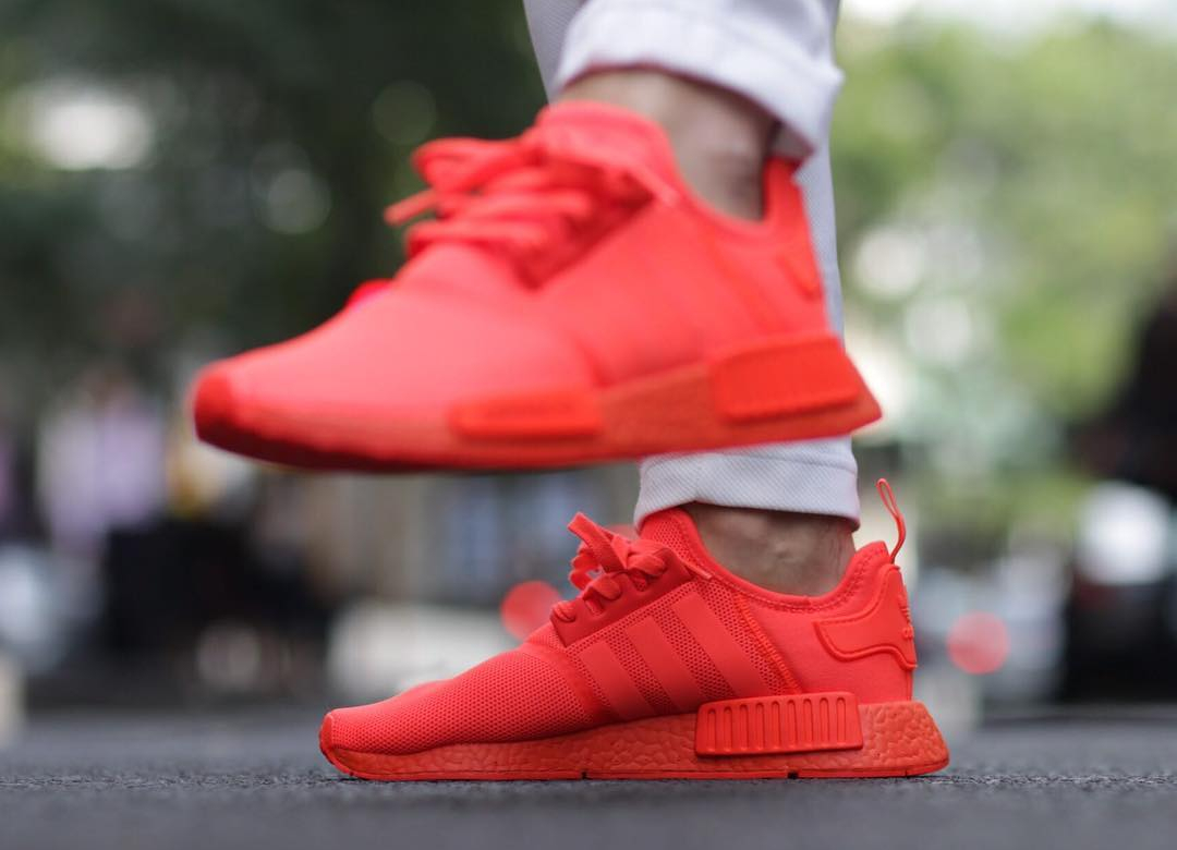 code promo 8e1eb c0301 Adidas NMD R1 Runner Boost Rouge 'Triple Solar Red'