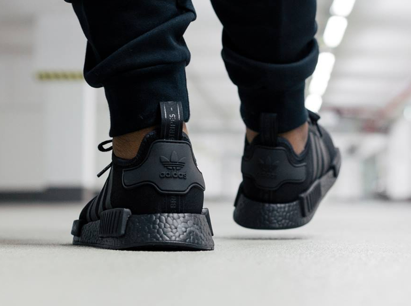 chaussure-adidas-nmd_r1-blackout-2