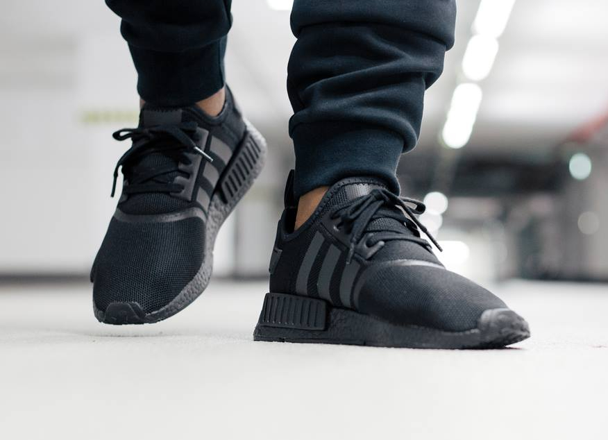 chaussure-adidas-nmd_r1-blackout-5