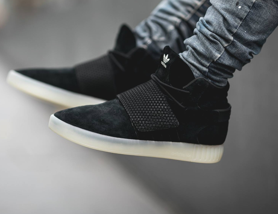 new product e81c1 4bde6 Chaussure Adidas Tubular Invader Strap Black (noire) (2)