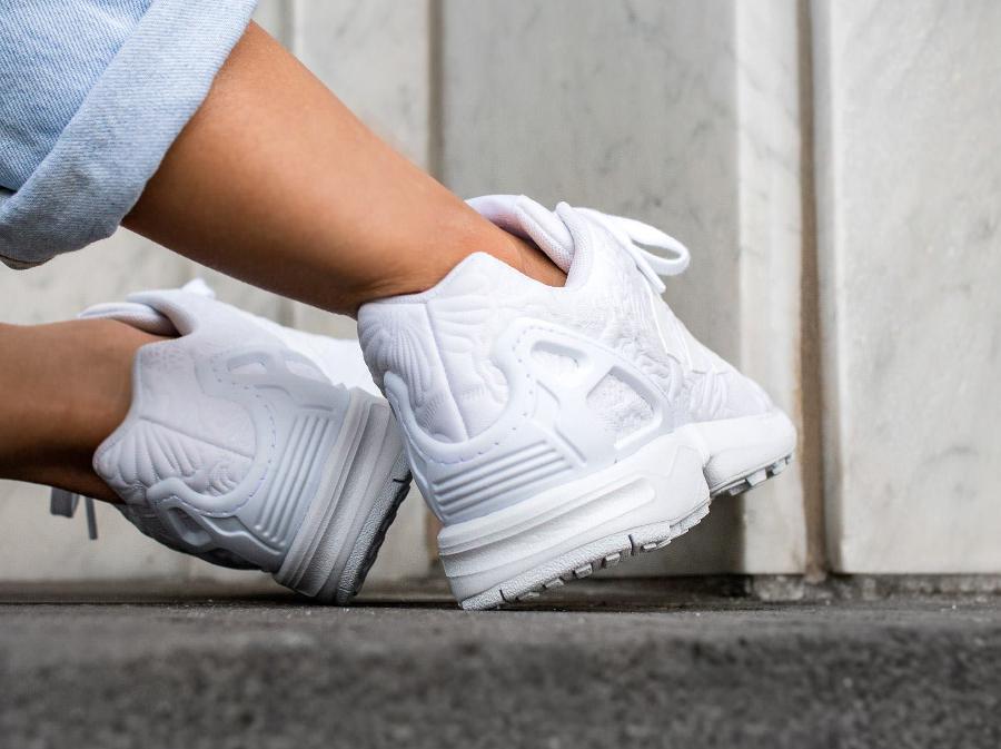 chaussure-adidas-zx-flux-w-white-flowers-blanche-imprime-fleurs-en-relief-5