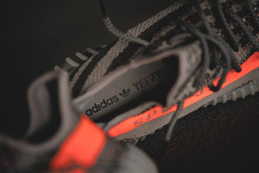 chaussure-kanye-west-x-adidas-yeezy-350-boost-v2-4