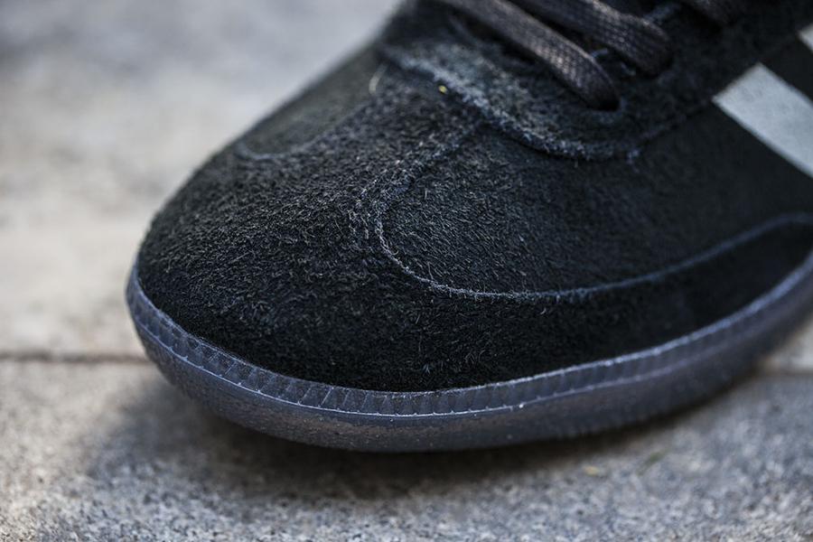 Chaussure Livestock x Adidas Samba Black Suede (4)