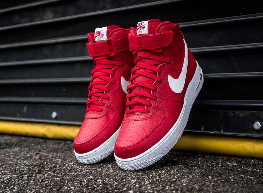 Chaussure Nike Air Force 1 High 07 Perf Gym Red (2)