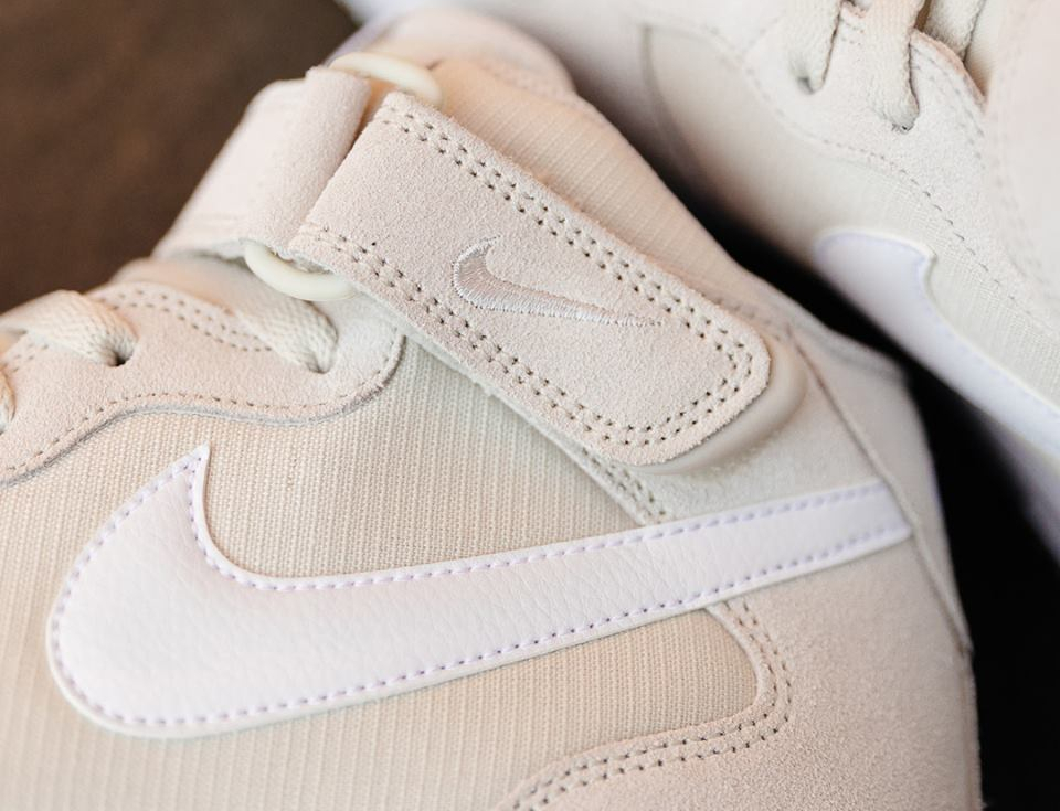 Chaussure Nike Air Force 1 Mid Light Bone (3)