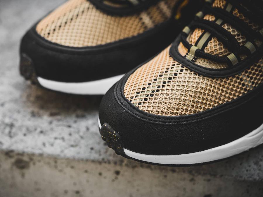 chaussure-nike-air-zoom-spiridon-gold-4