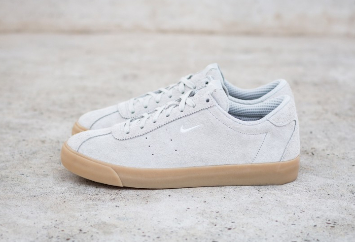 chaussure-nike-match-classic-en-daim-beige-2