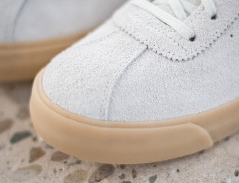 chaussure-nike-match-classic-en-daim-beige-3