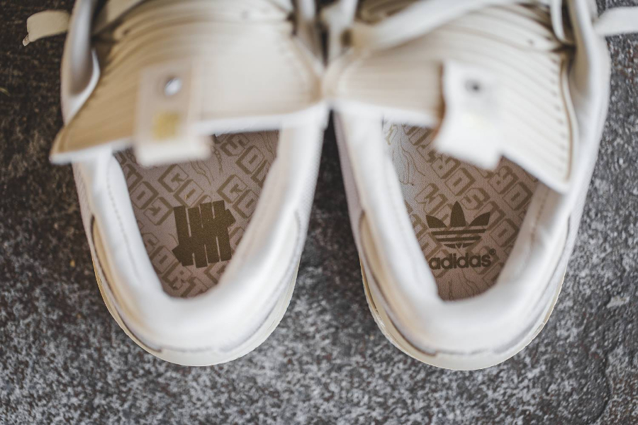 chaussure-undefeated-x-adidas-busenitz-dune-gold-5