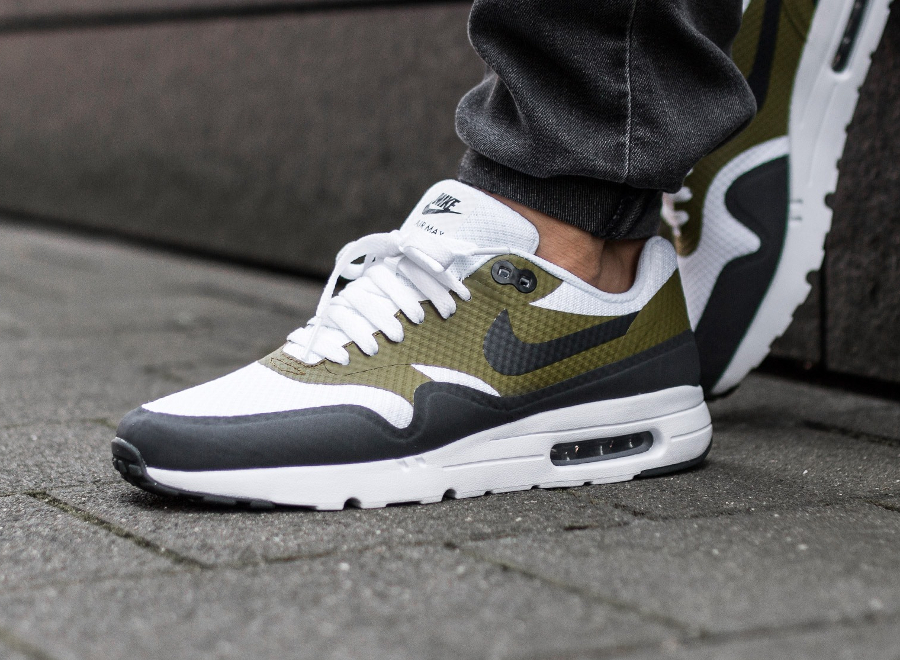low priced 89aae a294c acheter-basket-nike-air-max-1-ultra-essential-