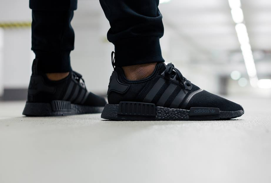 Adidas NMD R1 Runner Boost Noire 'Triple Black'