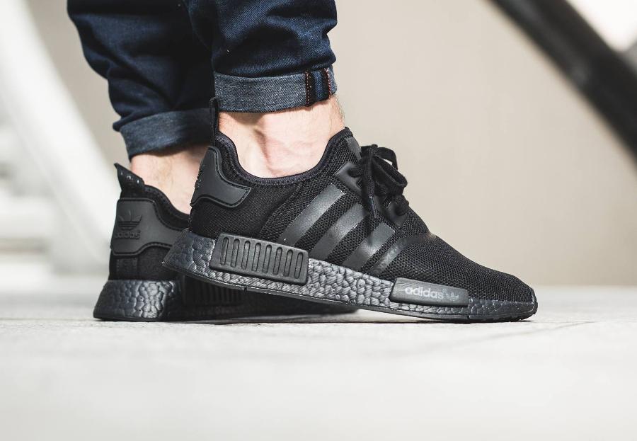 avis-basket-adidas-nmd-r1-boost-triple-black-noire-4