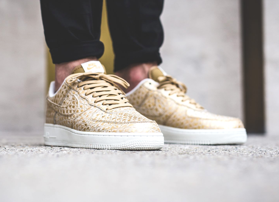 avis-basket-nike-air-force-1-low-07-lv8-metallic-gold-scales-4