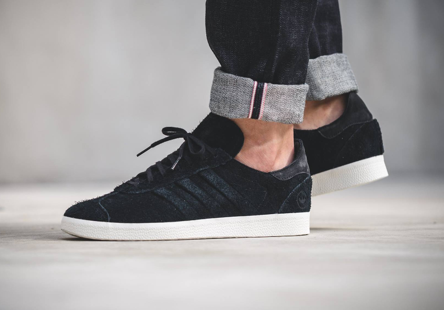 avis basket Wings + Horns x Adidas Gazelle Primeknit 'Core Black'