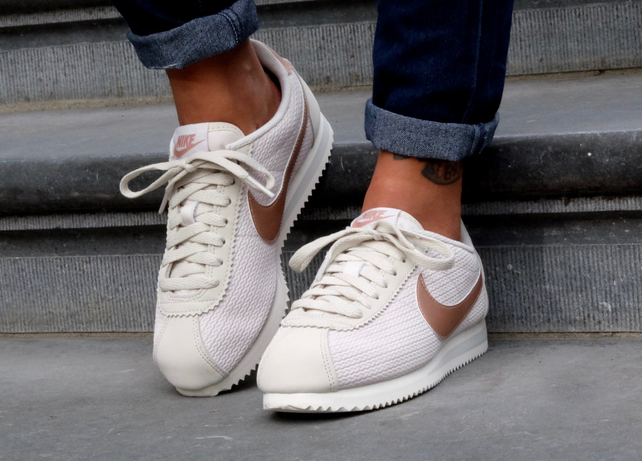 outlet store 15095 23dba avis-chaussure-nike-cortez-leather-lux-light-bone-