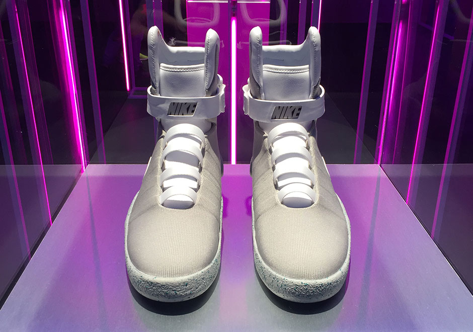 basket-nike-mag-power-laces-2016-retour-vers-le-futur-3