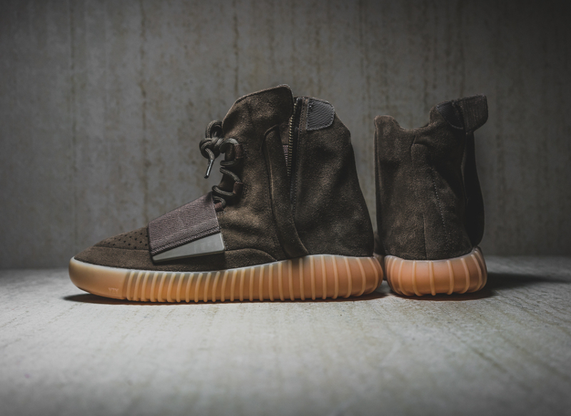 chaussure-adidas-yeezy-750-boost-chocolate-2