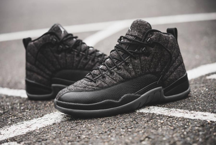 chaussure-air-jordan-12-laine-gris-et-cuir-noir-1