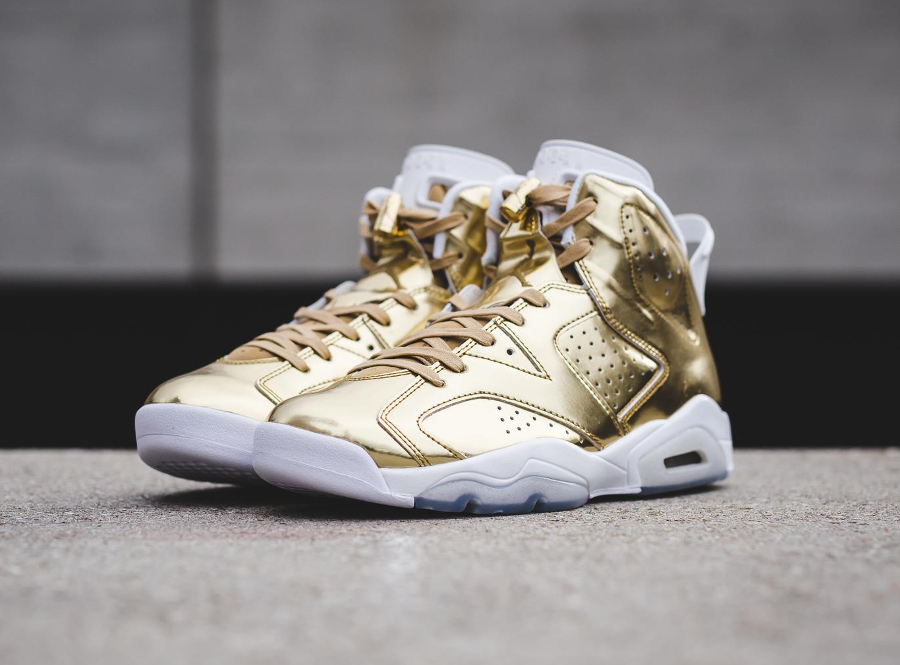 chaussure-air-jordan-6-metallic-gold-cuir-dore-2