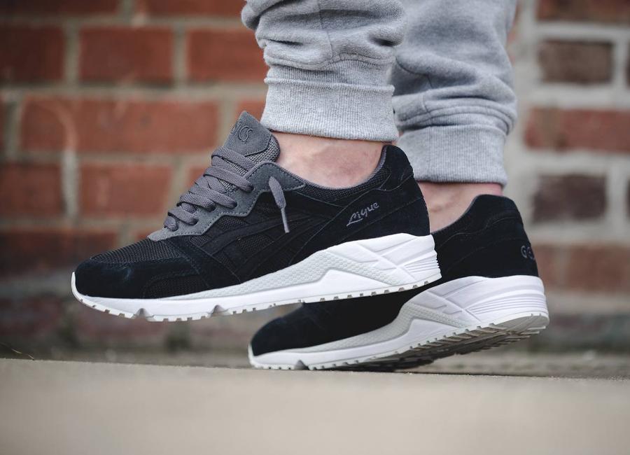 chaussure-asics-gel-lique-noire-1