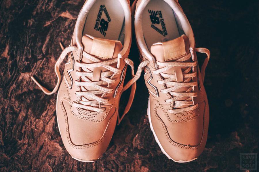 chaussure-new-balance-wr996-jt-cuir-beige-4