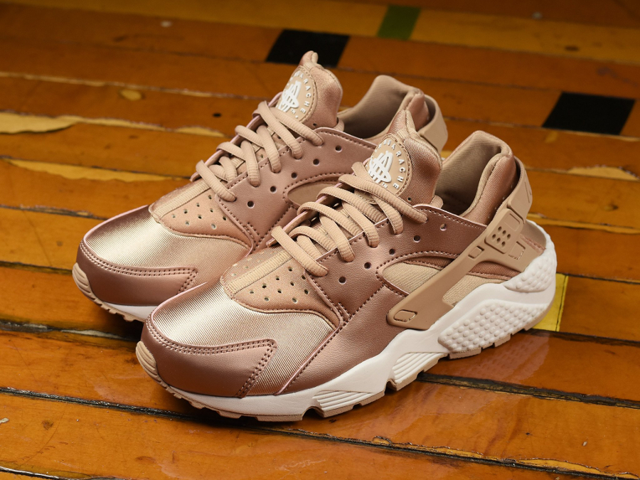nike huarache rose gold