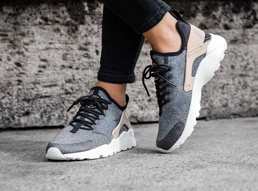 chaussure-nike-air-huarache-ultra-laine-grise-pour-femme-1