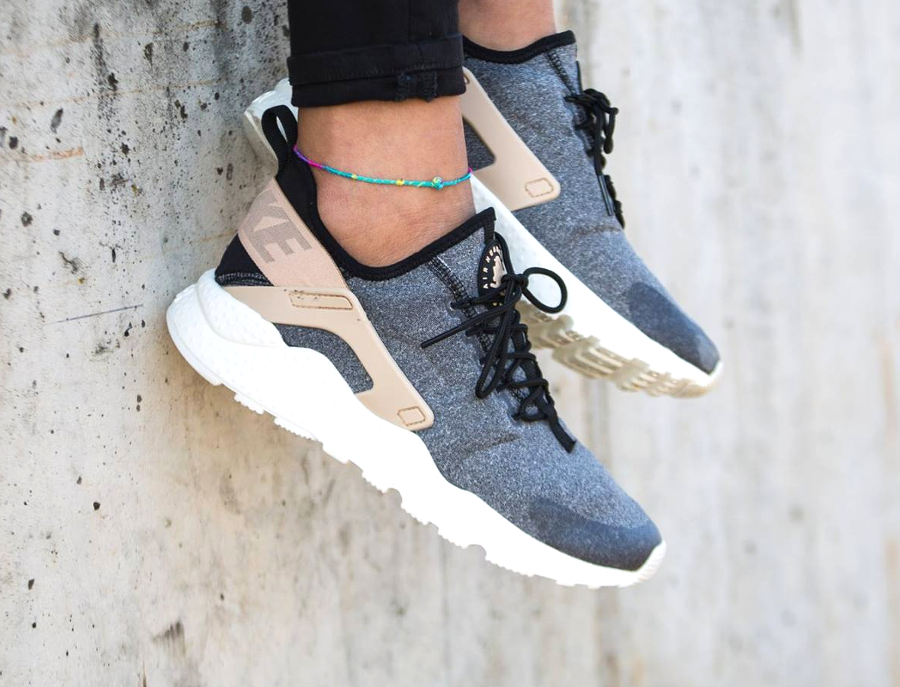 chaussure-nike-air-huarache-ultra-laine-grise-pour-femme